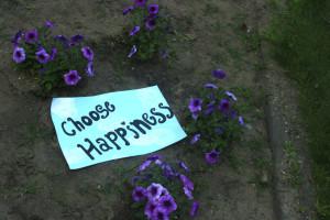Choose-Happiness-Garden-000053135224_Medium