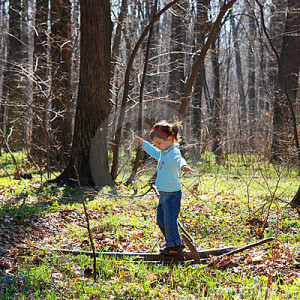 little-girl-playing-woods-4888731